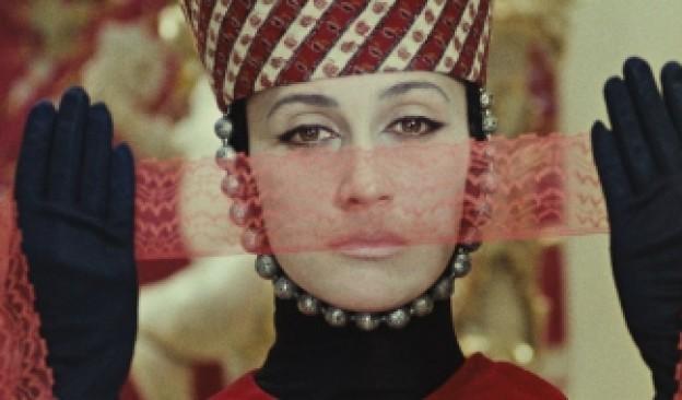 'El color de la granada', la poética biografía del trovador Sayat Nova, este fin de semana en Cine TEA