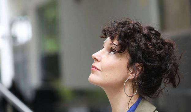 Sabina Urraca presenta en TEA su nuevo libro, 'Soñó con la chica que robaba un caballo'