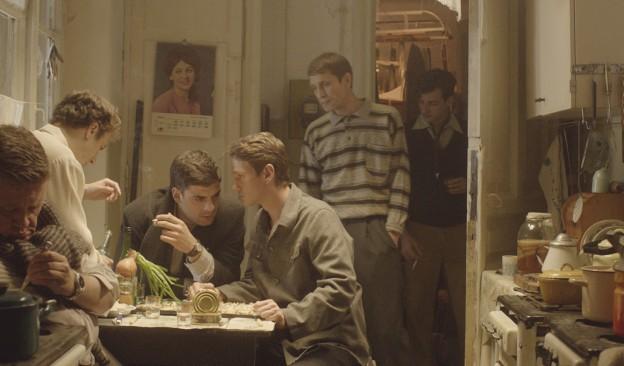 TEA proyecta 'Dovlatov', película que retrata seis días en la vida del icónico escritor soviético