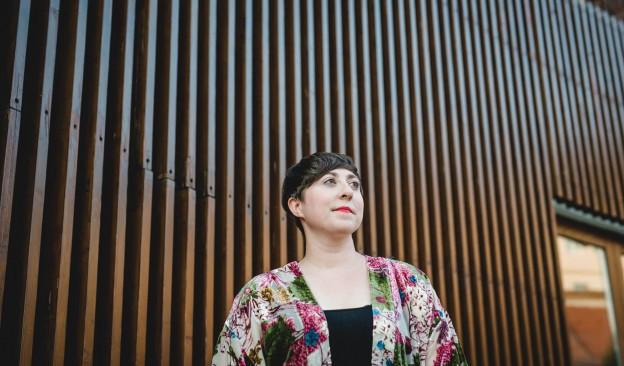 La escritora Elena Medel presenta esta semana en TEA Tenerife su primera novela, 'Las maravillas'