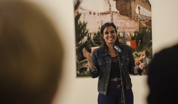 La artista Mireia Sallarès ofrece en TEA una visita guiada a la exposición 'Campos de batalla'